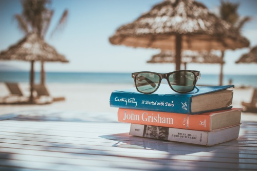 beach-ocean-reading-vacation-relax-holiday-697799-pxhere.com (1).jpg